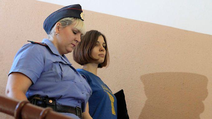 Nadeschda Tolokonnikowa sieht das Ende des Putin-Systems bevorstehen.