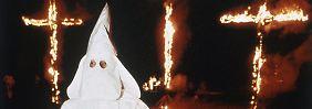 Die rassistische Organisation verbreitet mit ihren Aktionen gezielt Angst.
