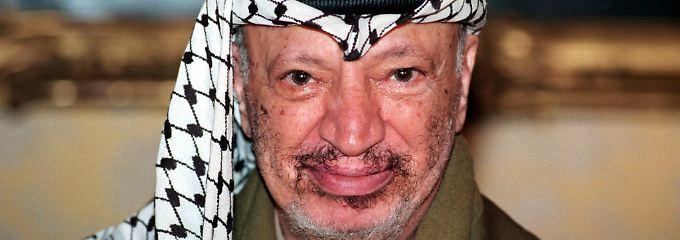 Arafat starb am 11. November 2004 unter bis heute unklaren Umständen.