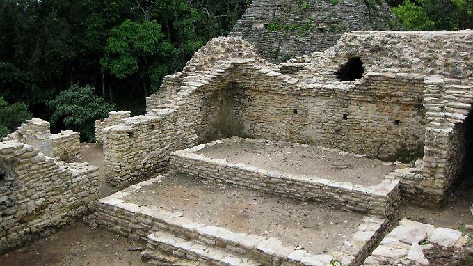 1200 Jahre altes Maya-Theater mit Plätzen für 120 Menschen, ...