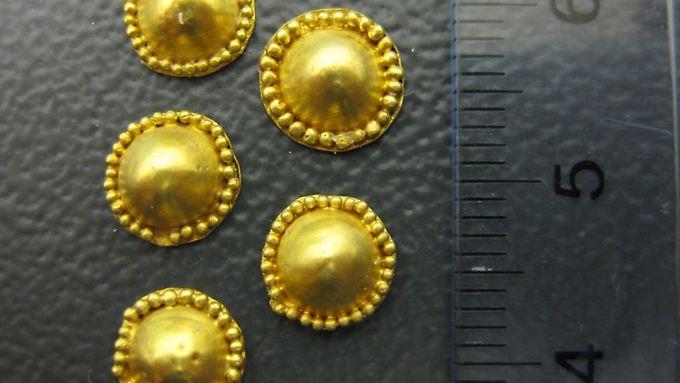 Der Schatz des Priamos besteht aus etwa 8800 Einzelteilen - hier sogenannte Tutuli, die an Kleidungsstücken angebracht wurden.