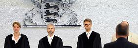 Drei Jahre nach dem Übernahmekrimi zwischen VW und Porsche muss der frühere Porsche-Finanzchef Holger Härter vor Gericht.