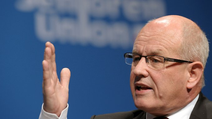 Volker Kauder will Griechenland helfen und gleichzeitig die Deutschen Kassen schonen.