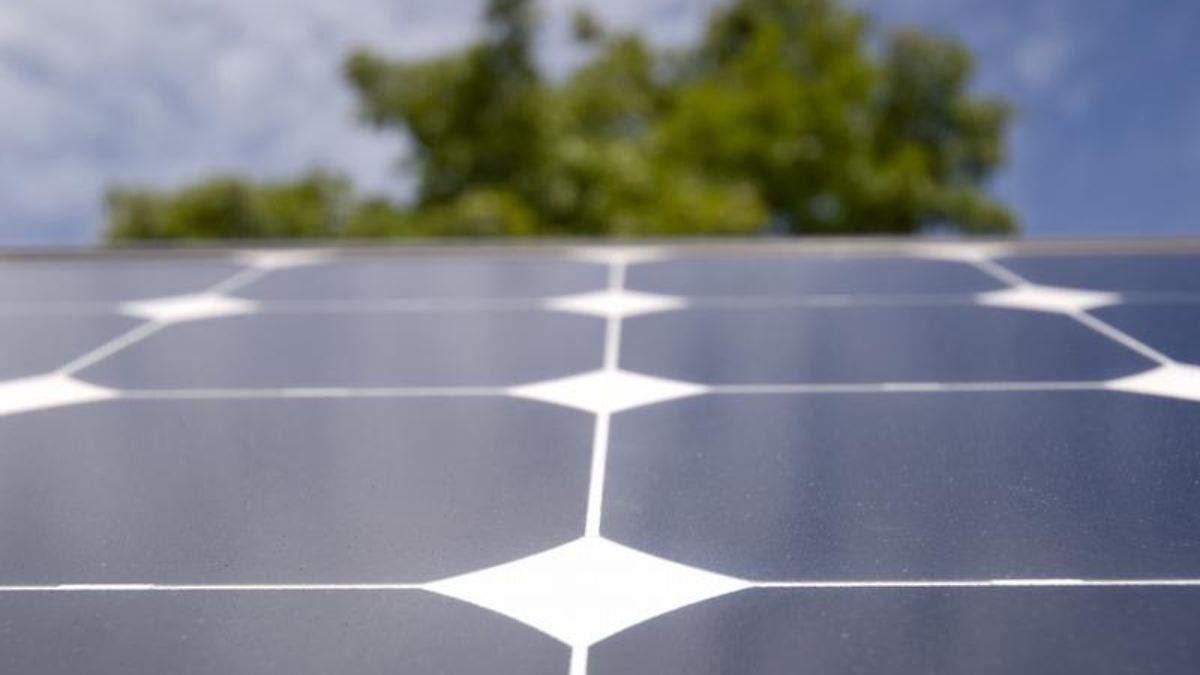 steuern f r solarstrom hausbesitzer werden unternehmer n. Black Bedroom Furniture Sets. Home Design Ideas