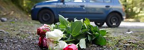 Blumen am Tatort: Viele Fragen sind offen.
