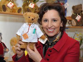 Auch Teddys kann man von Kind zu Kind weiterreichen.