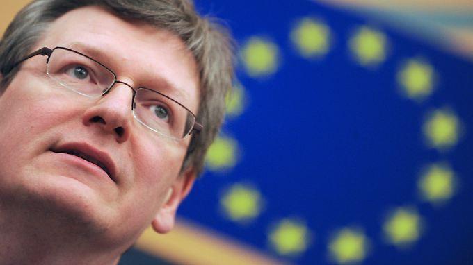 EU-Sozialkommissar László Andor: Die niedrigen Löhne in Deutschland sind ein Grund für die anhaltende Wirtschaftskrise in Europa.