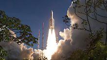 Raketenstart in Kourou: In der Nacht hob zum fünften Mal in diesem Jahr eine Ariane 5 ab.