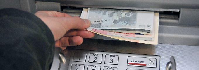 Bis zu fast acht Euro Gebühren können pro Transaktion fällig werden