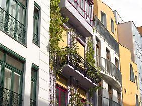 Eine Wohnungseigentümergemeinschaft kann durchaus einen Grundstückskauf beschließen, wenn dies in einem engen Bezug zu den Wohnungen stehe.
