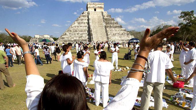Maya-Nachfahren feiern den Jahreswechsel 2011/2012.