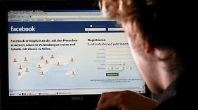 Mit seinen persönlichen Daten sollte man bei Facebook sehr vorsichtig sein.