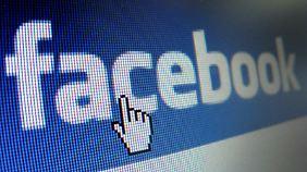 Wenn man seine Facebook-Einstellungen richtig vornimmt, haben Fremde keinen Zugriff auf das eigene Profil. Das ändert sich natürlich, wenn man sie als Freundesanfragen bestätigt. Foto: Stephan Jansen