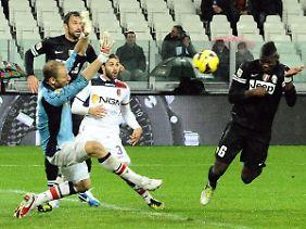 Meister Juventus feierte Paul Pogba für sein Last-Minute-Siegtor gegen Bologna.
