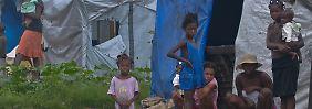 Unzählihe Haitianer leben noch immer in Notunterkünften.