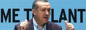 Recep Tayyip Erdogan regiert seit 10 Jahren in der Türkei.