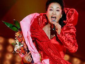 Peng Liyuan, die künftige First Lady, singt Lieder zum Lobpreis des ländlichen Chinas.