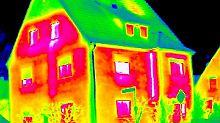 Ein Wärmebild gelingt am besten, wenn es draußen trocken und kalt ist. Foto: Hessische Energiespar-Aktion