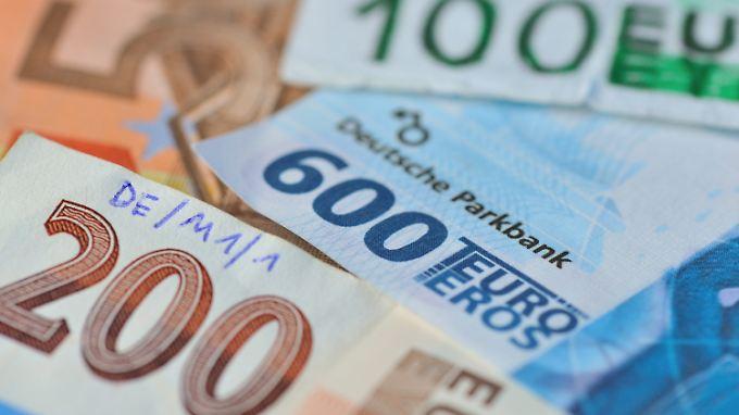 Maßnahmen gegen Fälscher: EZB plant neue Euroscheine