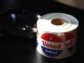 Wähler an die Urne zu locken, ist eine Strategie, sie fernzuhalten, eine zweite.