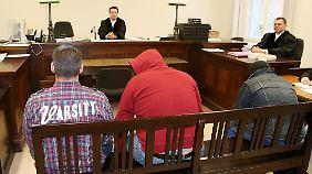Der Totenkopf war im Museum nicht gesichert, als die Diebe zuschlugen. Drei Männer stehen jetzt vor Gericht.