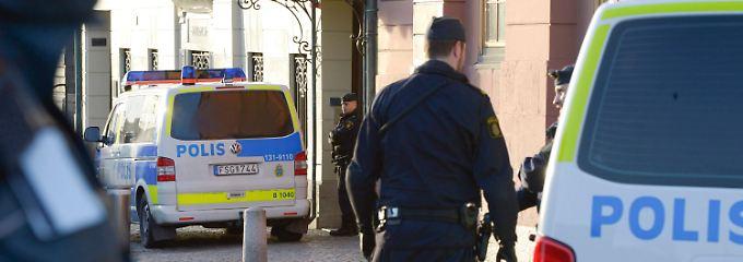 Vor der Residenz des Premierministers in Stockholm.
