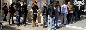 Die Arbeitslosigkeit in Griechenland steigt auf Rekordhöhe; mittlerweile ist jeder Vierte ohne Job.