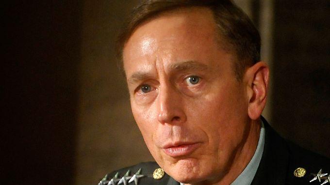 Drama in der US-Wahlnacht: Petraeus-Affäre sorgt für wilde Spekulationen