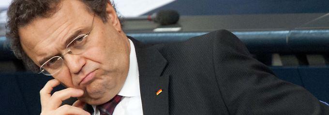 Innenminister Friedrich will die Verweigerer zum Mitmachen animieren.