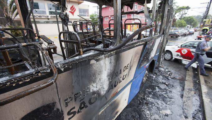 Ausgebrannter Bus in São Paulo.