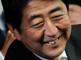 Wenn es sein muss, auch unter Null: Shinzo Abe will an der Zinsschraube drehen.