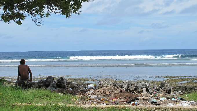 Auf Kiribati trügt der Schein: Abfälle und Fäkalien verseuchen die Strände.