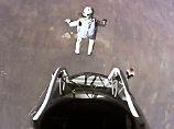 Das von Red Bull Stratos zur Verfügung gestellte Foto zeigt den Sprung von Felix Baumgartner aus der Kapsel in den Weltraum.