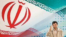 Geht es um eine eventuelle atomare Aufrüstung des Iran oder doch nur ums Öl? Spekulationen heizen die Preise an.