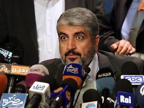 """Hamas-Chef Maschaal in Kairo: Wer immer Gaza angreife, """"wird dort beerdigt werden""""."""