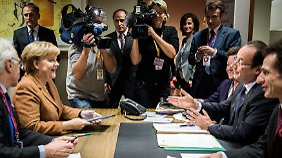 Merkel bei ihren Einzelgesprächen mit Hollande, Cameron und Monti.