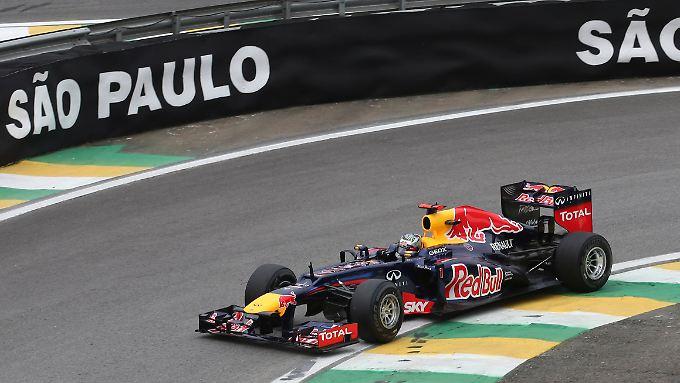 Nicht der Schnellste, aber schnell genug: Sebastian Vettel ist in Sao Paulo bislang klar schneller unterwegs als Titelrivale Fernando Alonso.