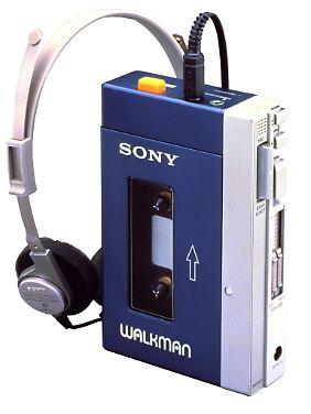 """Der """"TPS-L2"""" war der erste Walkman von Sony. Er kam am 1. Juli 1979 auf den Markt."""