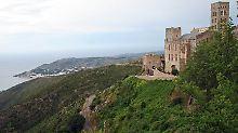 Reizvolle Lage über dem Mittelmeer: Das Kloster San Pere de Rodes ist ein Ziel und eine Herberge für viele Wanderer.