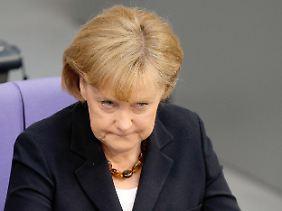 Für ihr Krisenmanagement in Sachen Griechenland erntet Angela Merkel jede Menge Kritik von der Opposition.