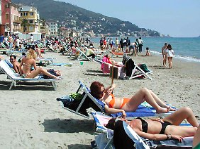 Am Strand von Alassio. (Archivbild)