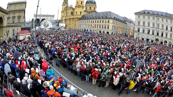 Tausende Christen feierten gemeinsam Himmelfahrt in der Münchner Innenstadt.
