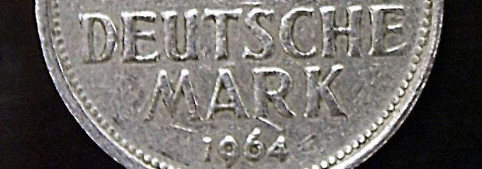 Viele Deutsche wünschen sich die Mark zurück.