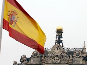 Kopfzerbrechen für die Zentralbank in Madrid: Fünf Sparkassen sind durchgefallen.