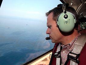 BP-Einsatzleiter Doug Suttles verschafft sich einen Überblick.