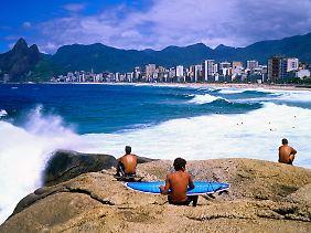 Abends und nachts sollten Touristen die Strände meiden - das gilt besonders für den von Kriminalität gebeutelten Stadtteil Copacabana.
