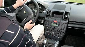 Schlichte Funktionalität bestimmt das Cockpit, die Oberflächen sind strapazierfähig und abwaschbar.