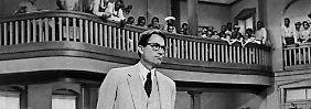 Gregory Peck gewinnt für seine Darstellung des Atticus Finch einen Oscar als bester Hauptdarsteller.