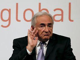 IWF-Chef Strauss-Kahn will sich bei Gesprächen mit Zapatero vor Ort ein Bild von der Lage machen.