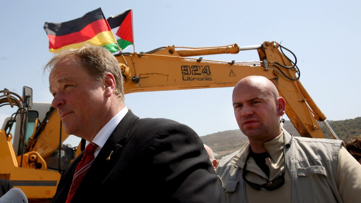 minister darf nicht in den gazastreifen niebels kritik verst rt israel n. Black Bedroom Furniture Sets. Home Design Ideas